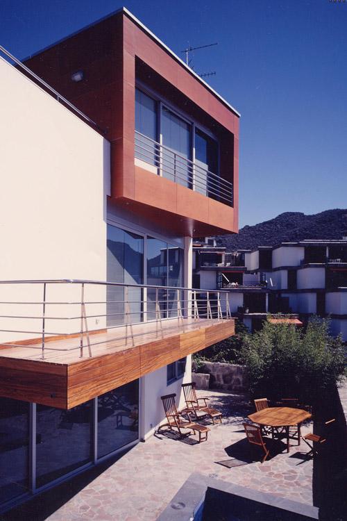Vista del alzado sur desde el patio interior