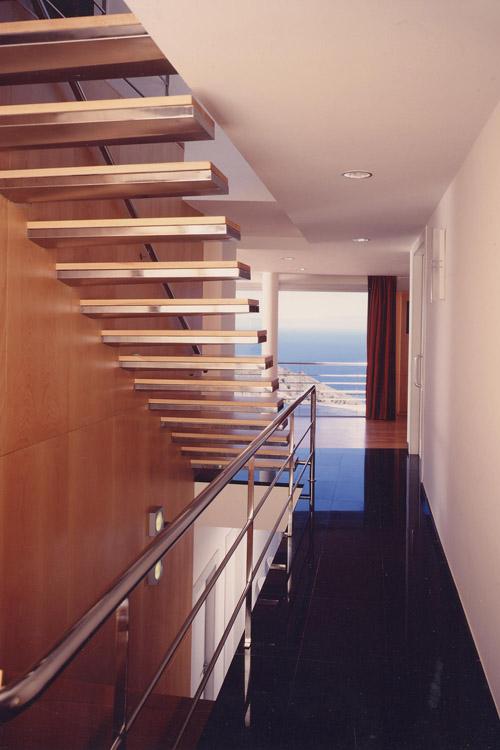 Detalle de escalera interior de la vivienda