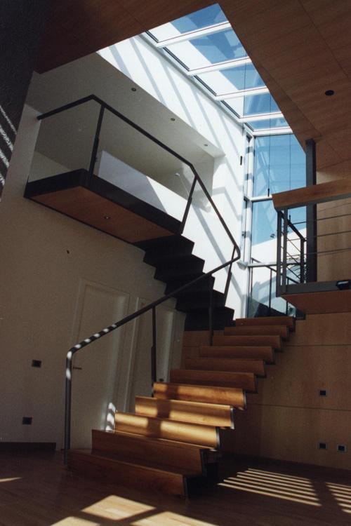 Vista de la escalera interior de la vivienda