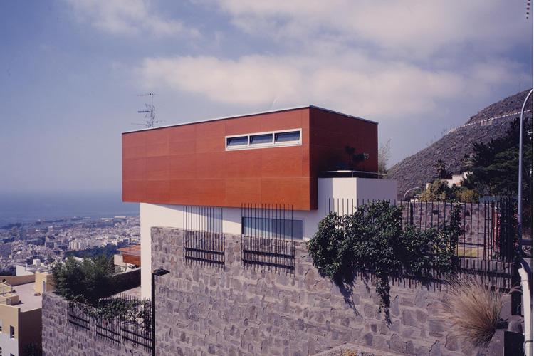 Vista del alzado norte de la vivienda